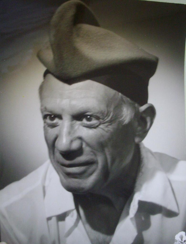 Portrait de Picasso a la barretina, 1954 - Exposition Picasso a Perpignan au Musee d'Art Hyacinthe Rigaud