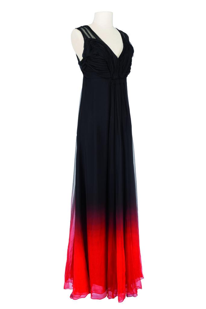 Modes! A la ville comme a la scene au CNCS de Moulins - Costume Dior porté par Isabelle Huppert dans Un Tramwayde K. Warlokowski, Théâtre de l'Odéon, 2011