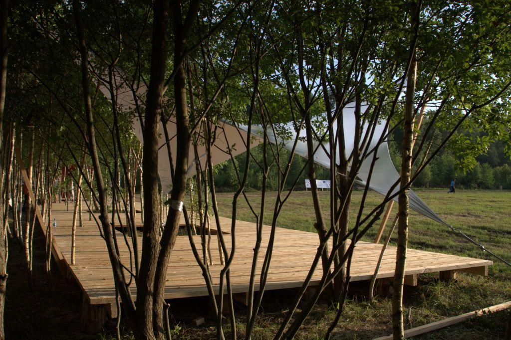 WAGON LANDSCAPING, Création d'un parc de belvédères dans le cadre du festival d'art contemporain Archstoyanie © Wagon Landscaping- AJAP à la Cité de l'Architecture et du Patrimoine