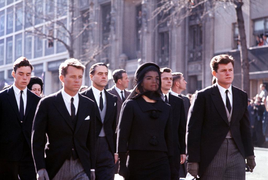 Funerailles de John Fitzgerald Kennedy Washington DC, 25 novembre 1963 - Henri Dauman - The Manhattan Darkroom - Musee Nicephore -Niepce de Chalon-sur Soane