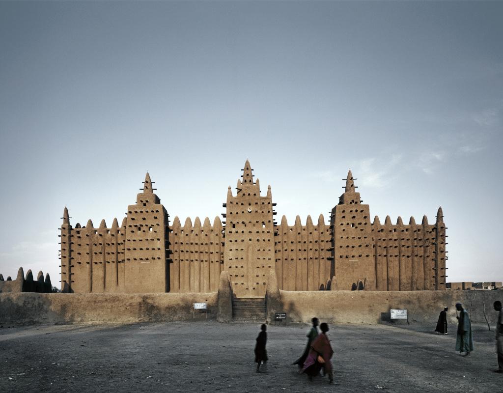 James Morris, Mosquée du vendredi, Djenné, Mali, 2000 - Trésors de l'islam institut du 14 avril au 30 juillet 2017 monde arabe du Djenne Mosque, Mali ©James Morris