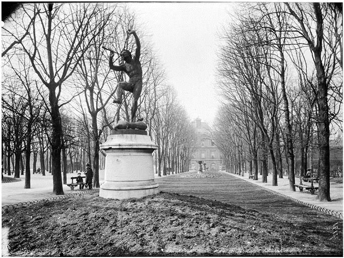 Eugene Atget, Jardin du Luxembourg, 1902 - Exposition Jardins extraordinaires sur les Grilles du Jardin du Luxembourg