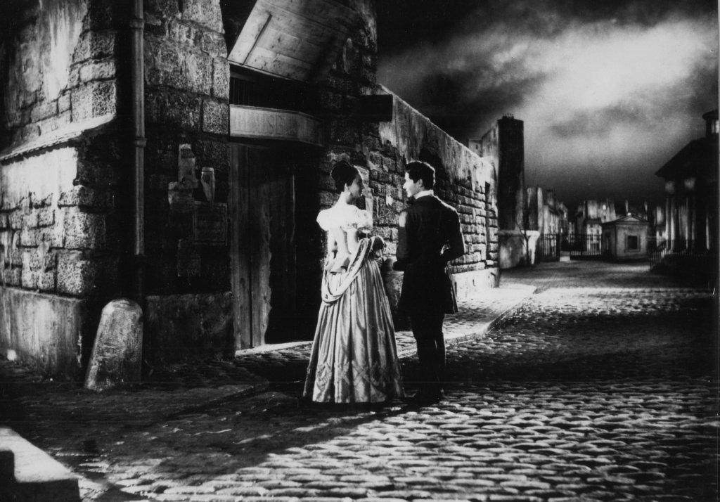 Les Enfantsdu paradis, Marcel Carné, 1945 Arletty et Jean-Louis Barrault, Montmartre, décor de cinéma