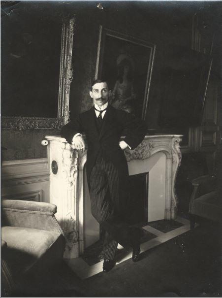 Paul Rosenberg dans sa Galerie en 1914 - 21 rue de la Boetie au Musee Maillol
