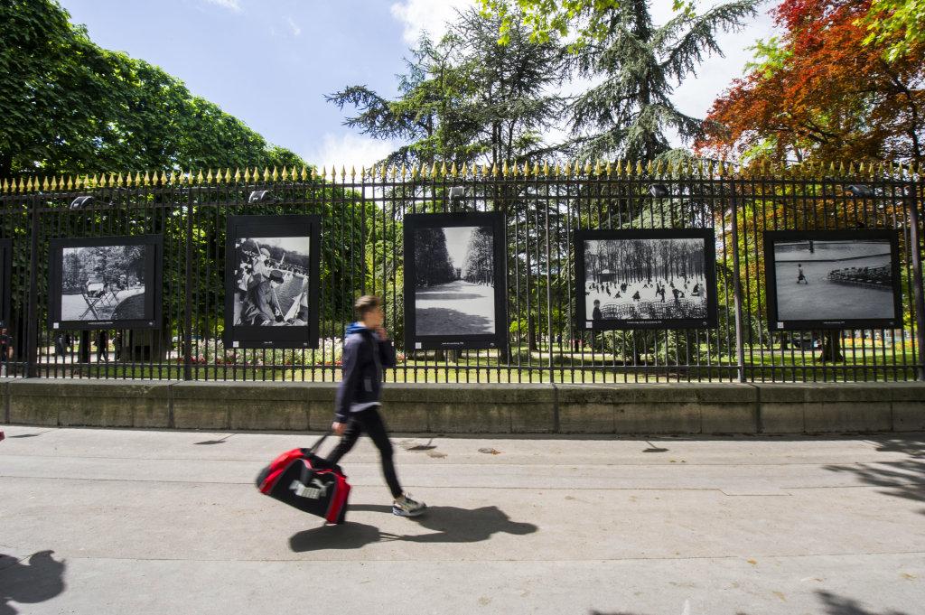 Vue de l'exposition Jardins extraordinaires sur les Grilles du Jardin du Luxembourg 2