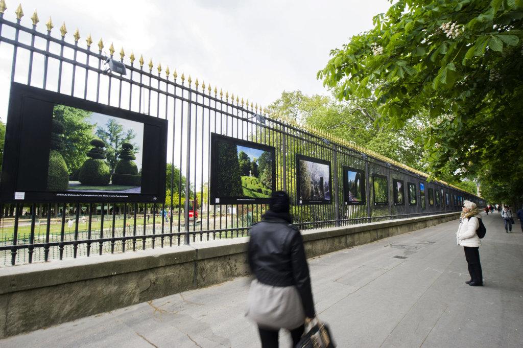Vue de l'exposition Jardins extraordinaires sur les Grilles du Jardin du Luxembourg 4