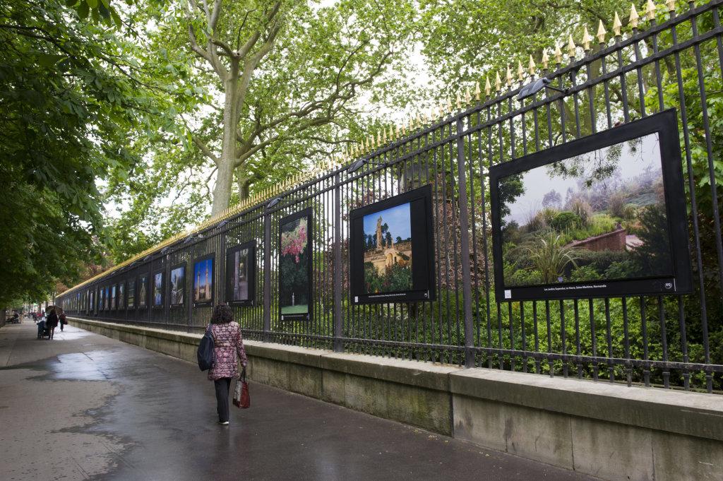 Vue de l'exposition Jardins extraordinaires sur les Grilles du Jardin du Luxembourg 7