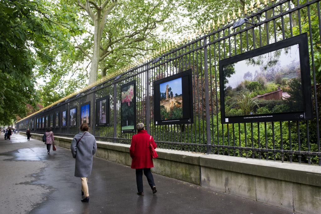 Vue de l'exposition Jardins extraordinaires sur les Grilles du Jardin du Luxembourg 8