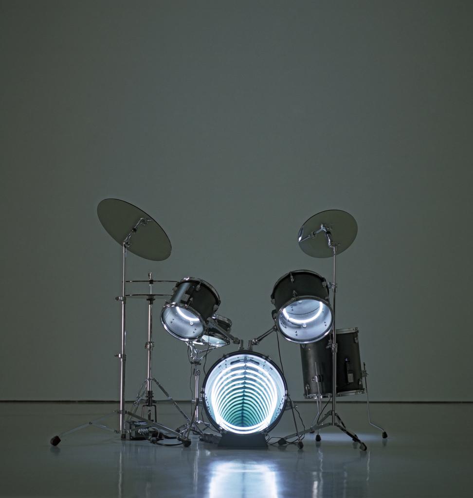 Drums, 2009, Iván Navarro, Fanfare