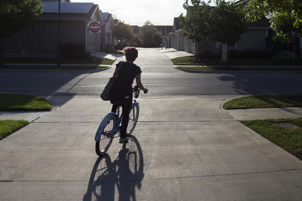 Pistes cyclables du quartier Mueller - Exposition Empreinte au Pavillon de l'Eau