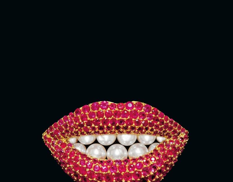 Reproduction d'une oeuvre de Salvador Dalí par Henryk Kaston, Broche Ruby Lips