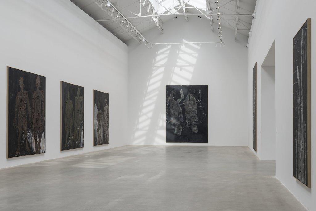Vue de l'exposition Descente 4, Georg Baselitz - Descente a la Galerie Thaddaeus Ropac de Pantin