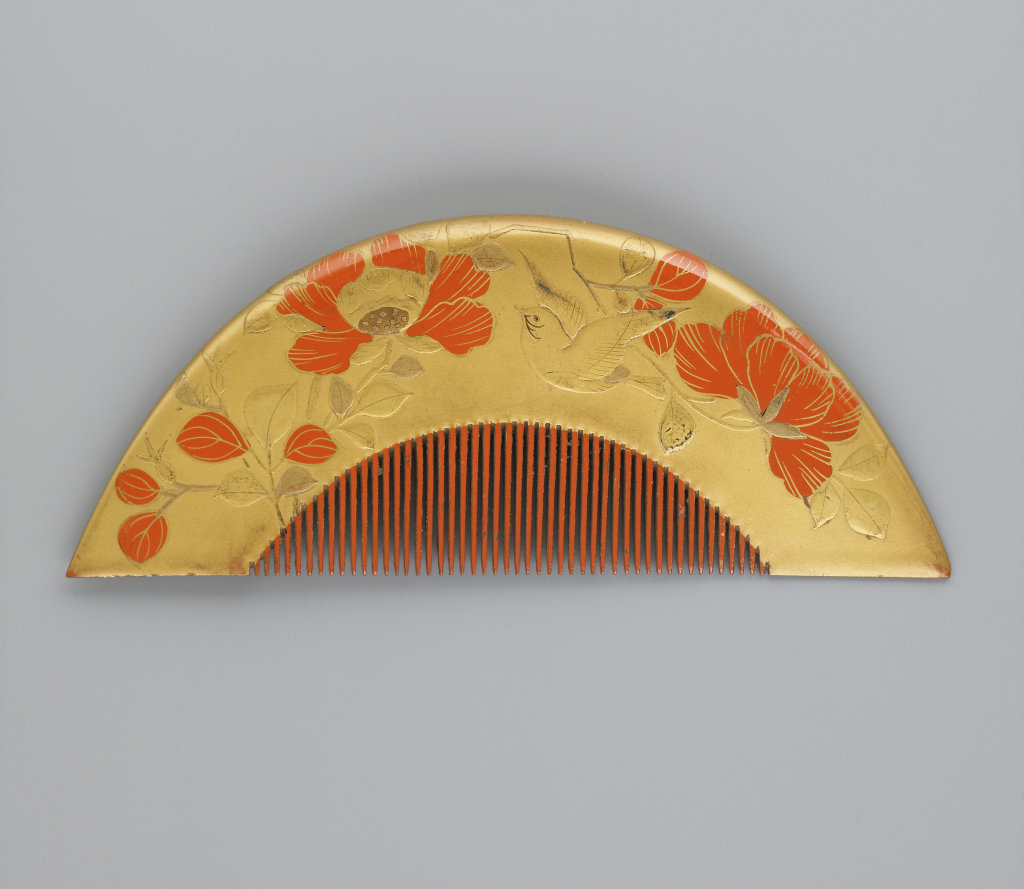 Peigne demi-circulaire à décor de grue et de pivoine rouge