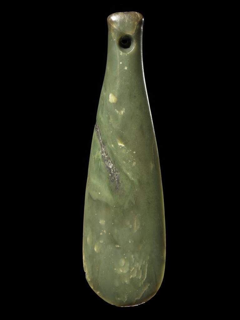 Mere, hand weapon. Bequest of K A Webster, 1971 - Pierre Sacree des Maoris au Musee du Quai Branly - Jacques Chirac