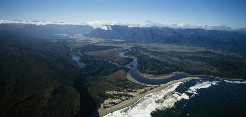 Nouvelle Zelande, paysage - Pierre Sacree des Maoris au Musee du Quai Branly - Jacques Chirac