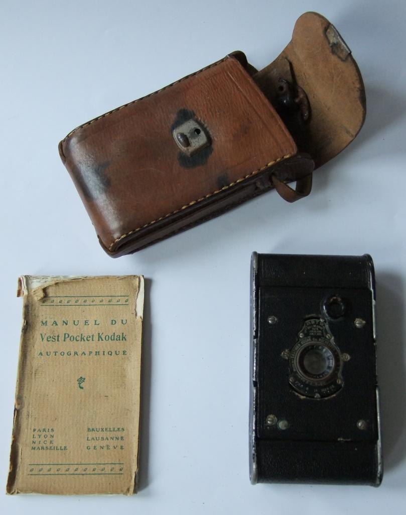 Vest pocket avec etui et mode d'emploi - Photographes de Guerre, Depuis 160 ans que cherchent-ils au Memorial de Verdun