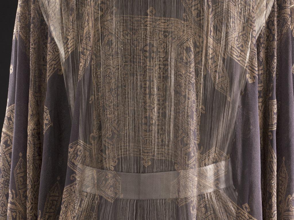 Mariano Fortuny, Déshabillé - gaze de soie noire et peinture dorée - début des années 1910