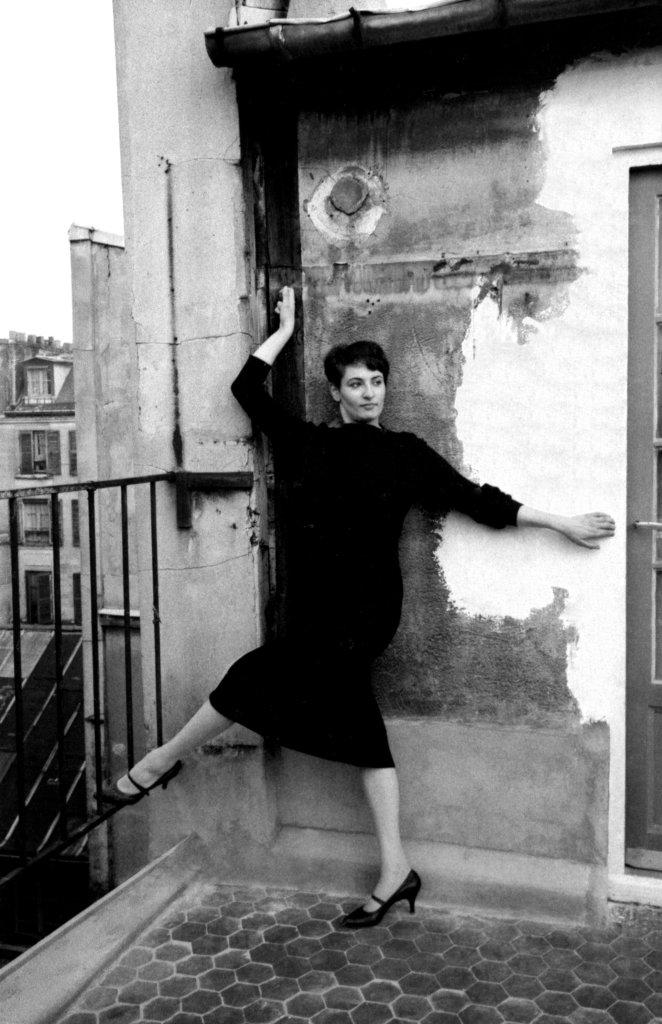 Barbara, rue de Seine, vers 1958