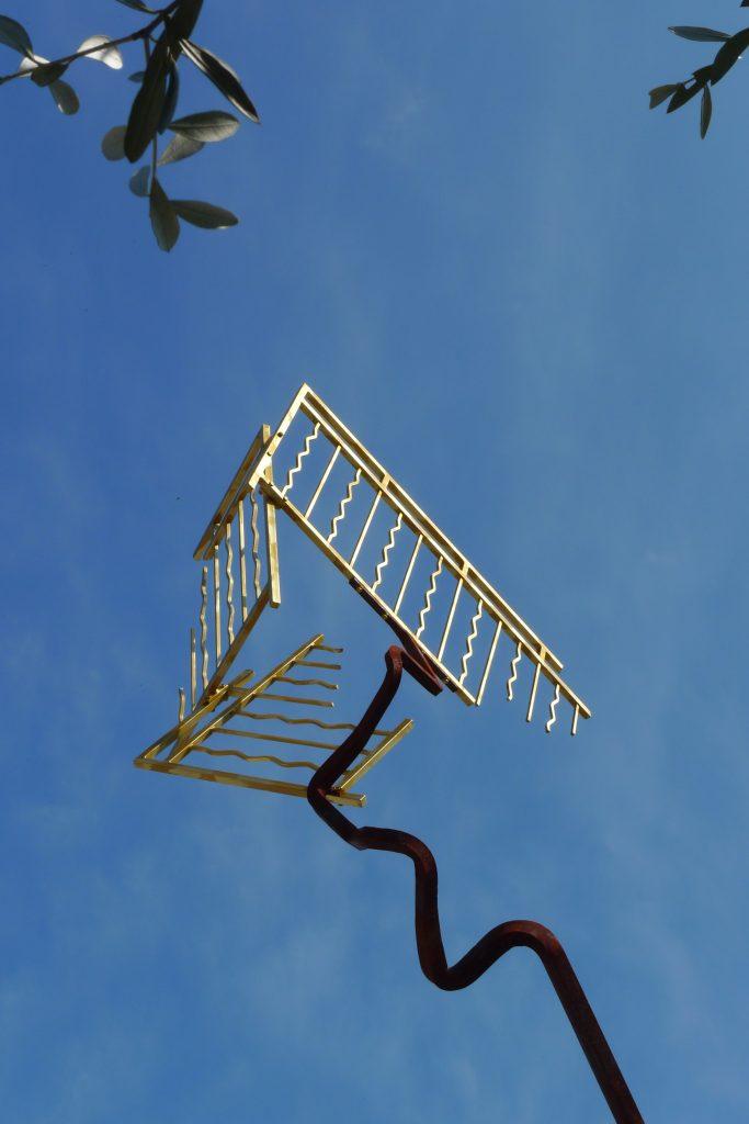 Bernard Pagès, Le Balcon sur la mer, 2009, acier oxydé, peint ou doré à la feuille d'or,