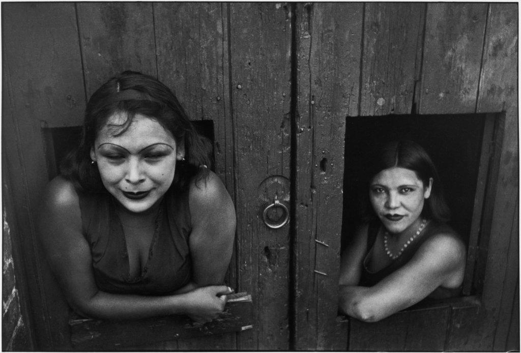 Henri Cartier-Bresson, Mexico City. Prostituées. Calle Cuauhtemoctzin, Musée Yves Brayer