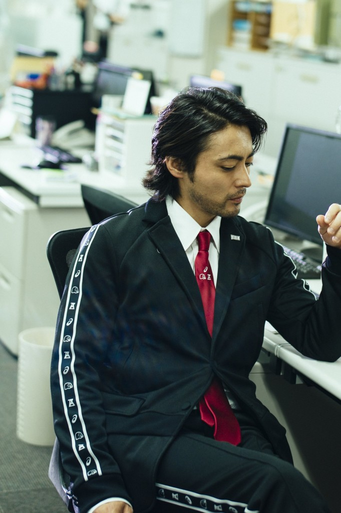 ANOFUKU ASICS x x ANREALAGE Jersey meets suits 2