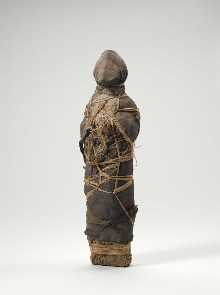 Anonyme, Nkisi Kula, objet magique - Exposition Inextricabilia, Enchevêtrements magiques à la Maison Rouge - Courtesy Musée du quai Branly Paris