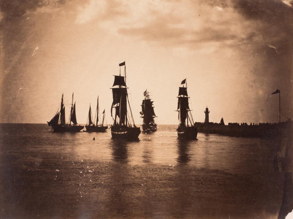 Gustave LE GRAY, Bateaux quittant le port du Havre, vers 1856-1857, Impression(s) soleil levant, MUMA