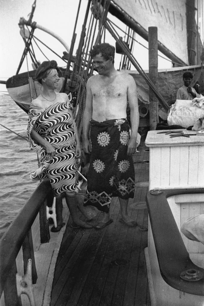Jack London, Charmian London, Martin Johnson, Photographie prise lors du voyage du Snarck - Exposition Jack London dans les mers du sud au Centre de la Vieille Charité de Marseille