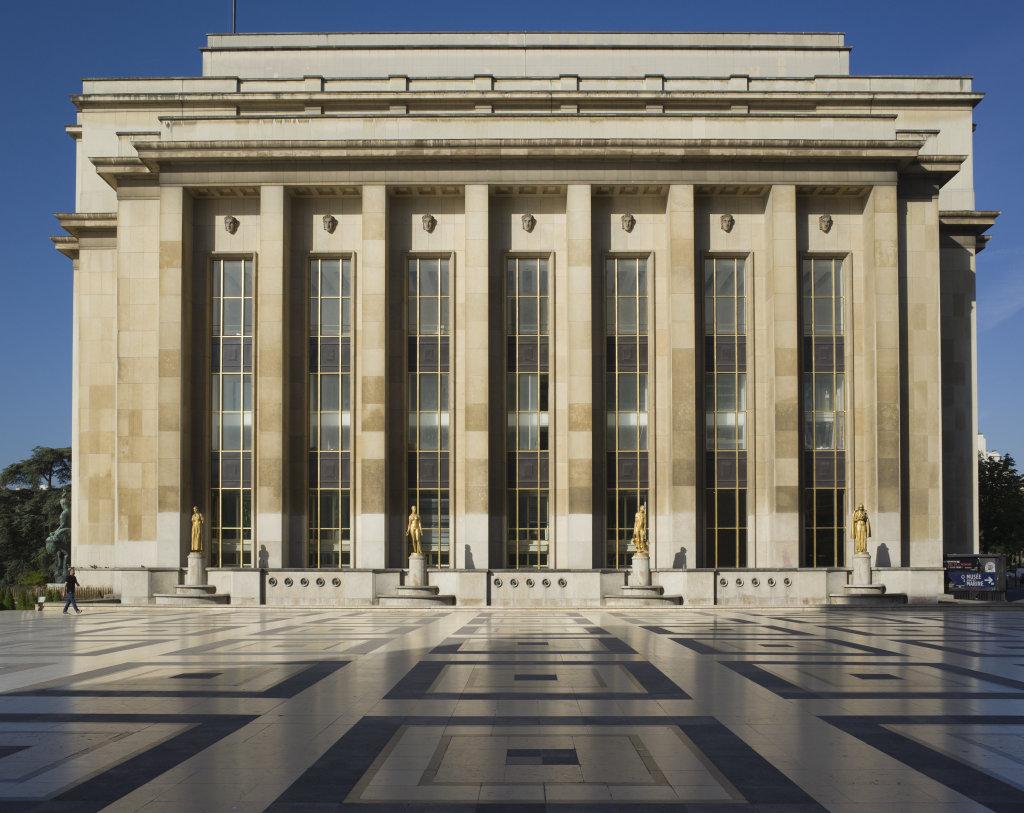 Musée de l'Homme - Pavillon de tête vu du parvis des Droits de l'Homme - 2015