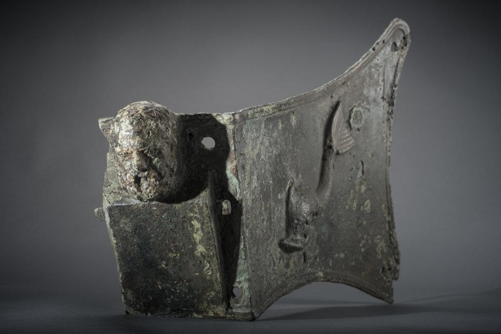 Plaque d'étrave, L'Île-Rousse, Antiquité - Exposition Secrets d'épaves, 50 ans d'archéologie sous-marine en Corse au Musée de Bastia