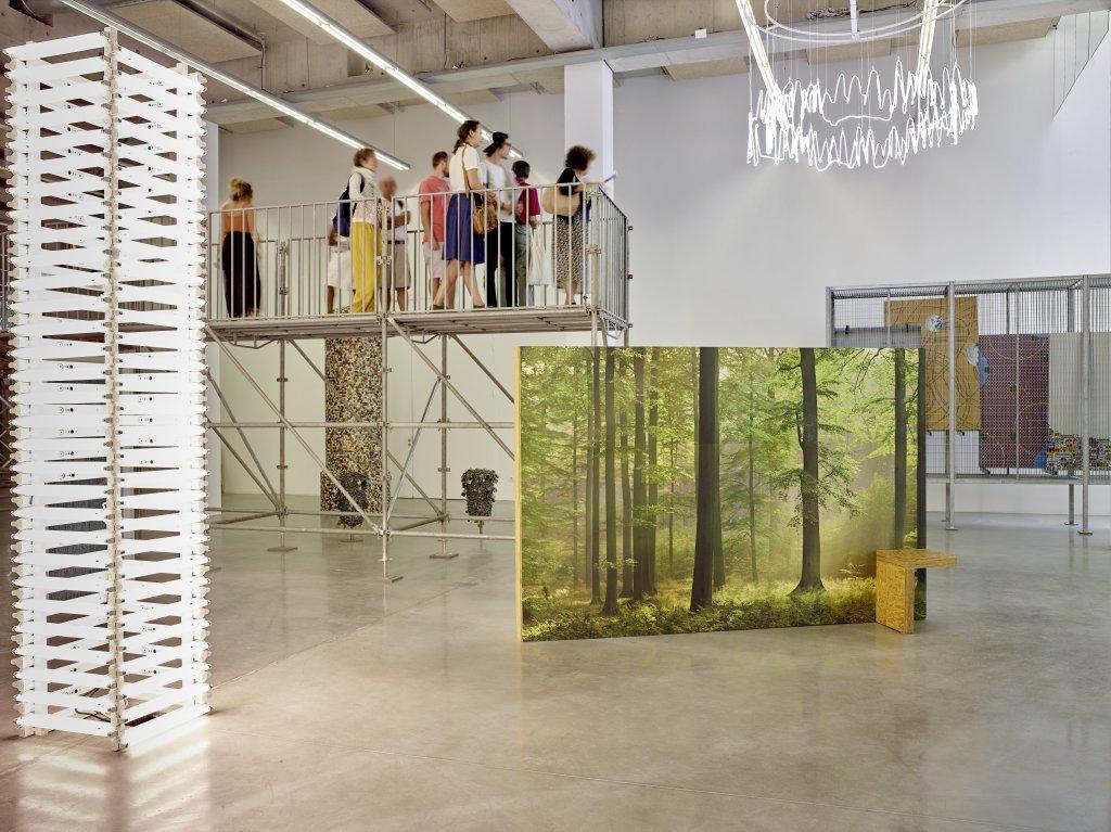 Vue de l'exposition Pascal Pinaud Parasite Paradise au FRAC PACA (1)