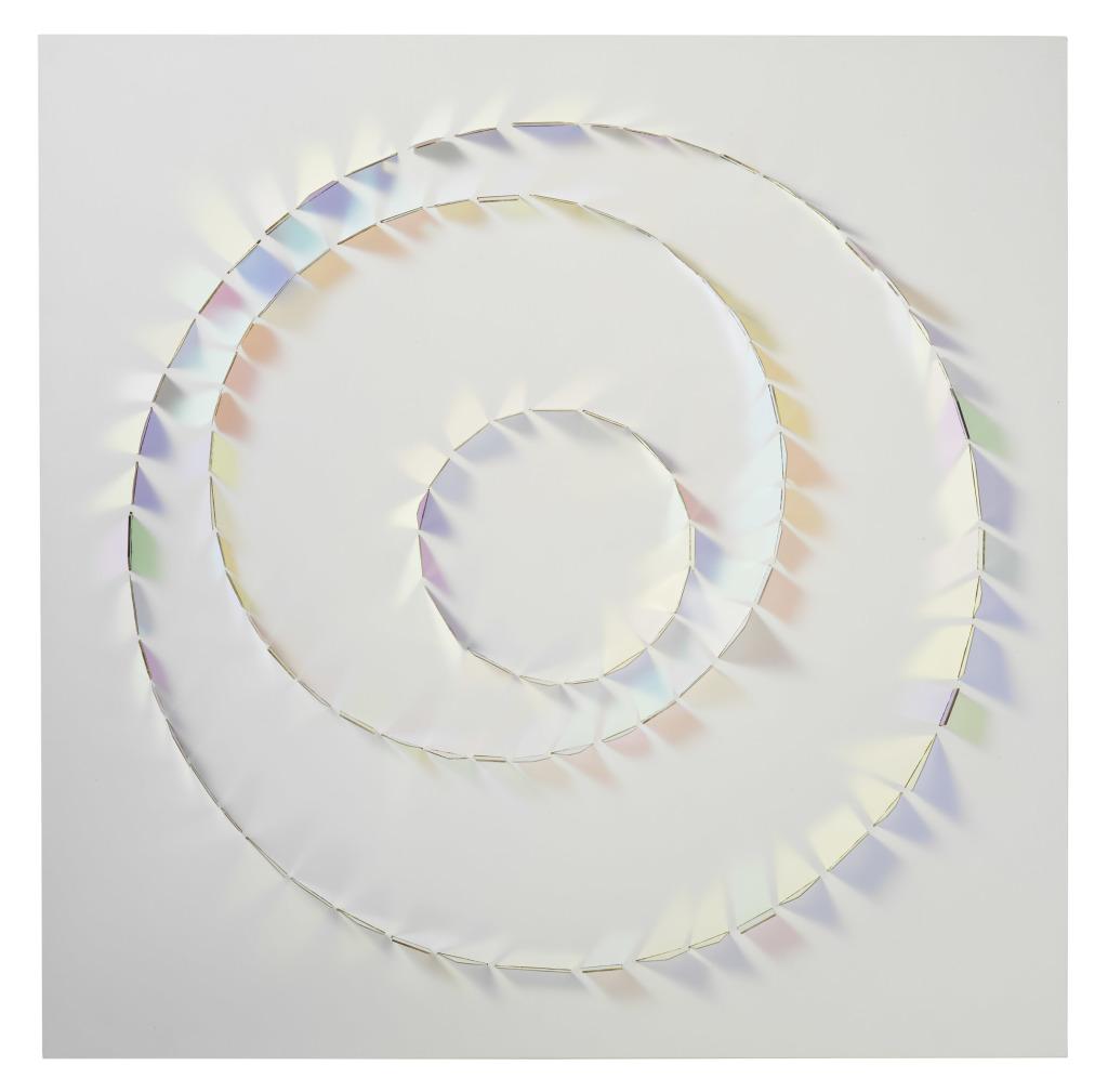 Keiko Mukaide Circle of three lucid, 2006 Verre dichroïque sur bois