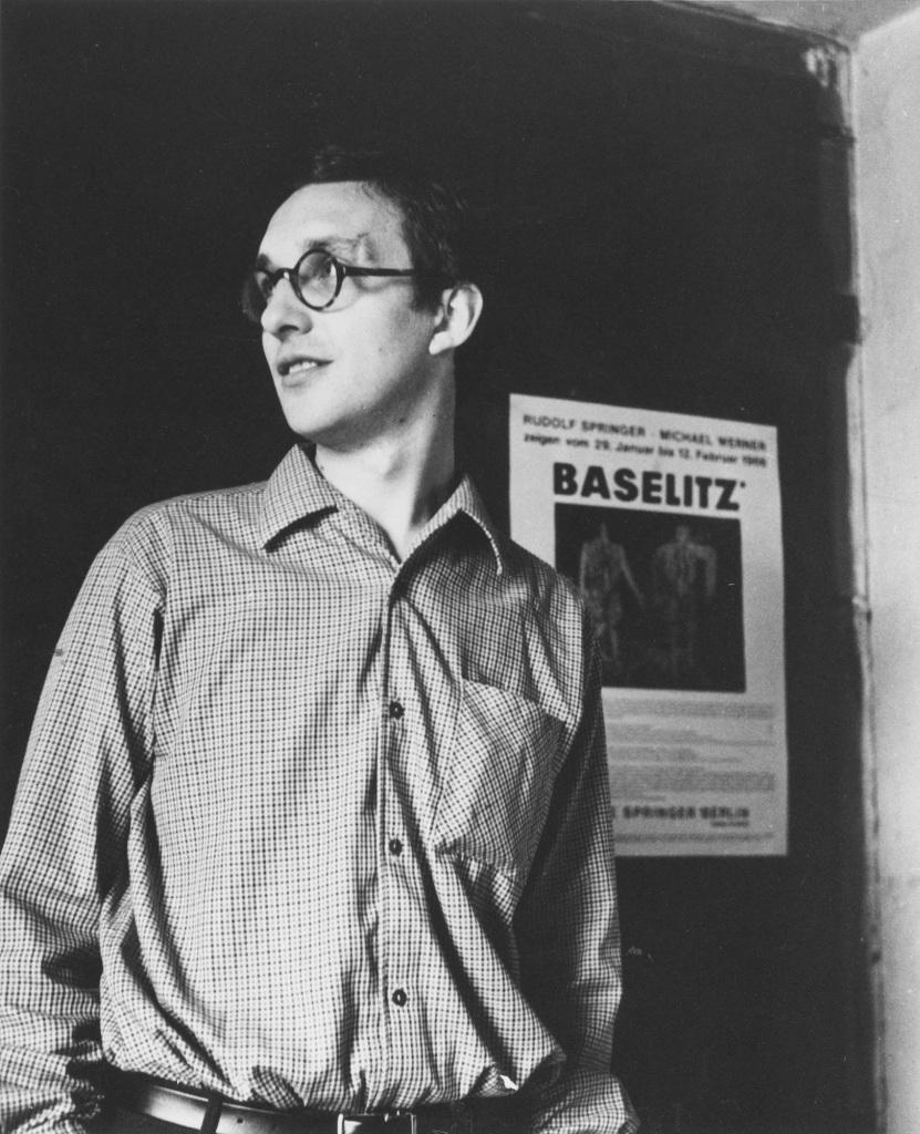 Georg Baselitz dans son étude à Berlin, 1966