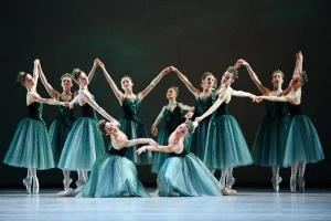 joyaux, balanchine, palais garnier, expo in the city, danse