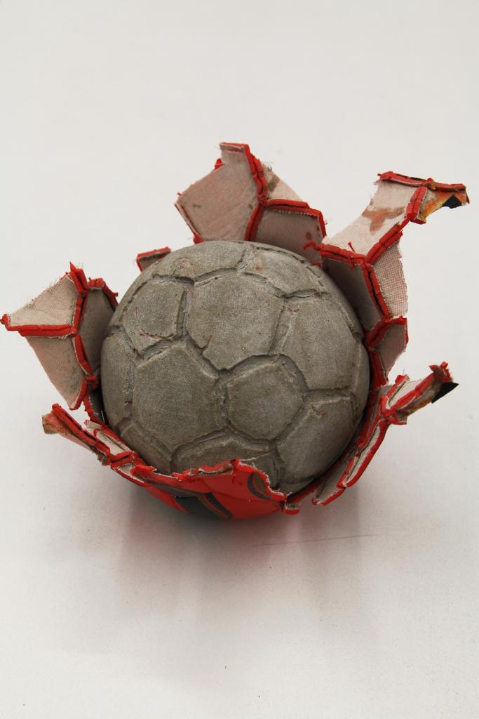 Khaled Jarrar, Concrete #3, 2012 - Exposition Nous Sommes Foot au MUCEM
