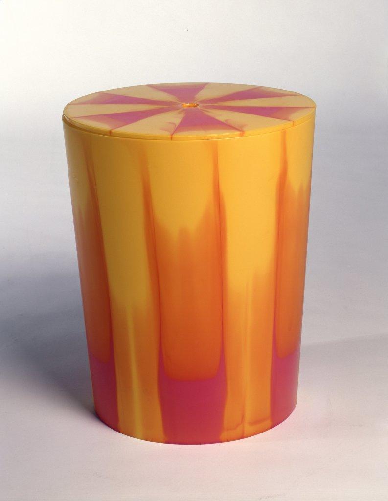 Table stool container jaune rougePhilippe Starck 2002 matière plastique