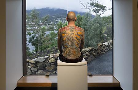 Wim Delvoye, Tim, 2006-2008, Peau tatouée, grandeur nature MONA, Hobart 2010