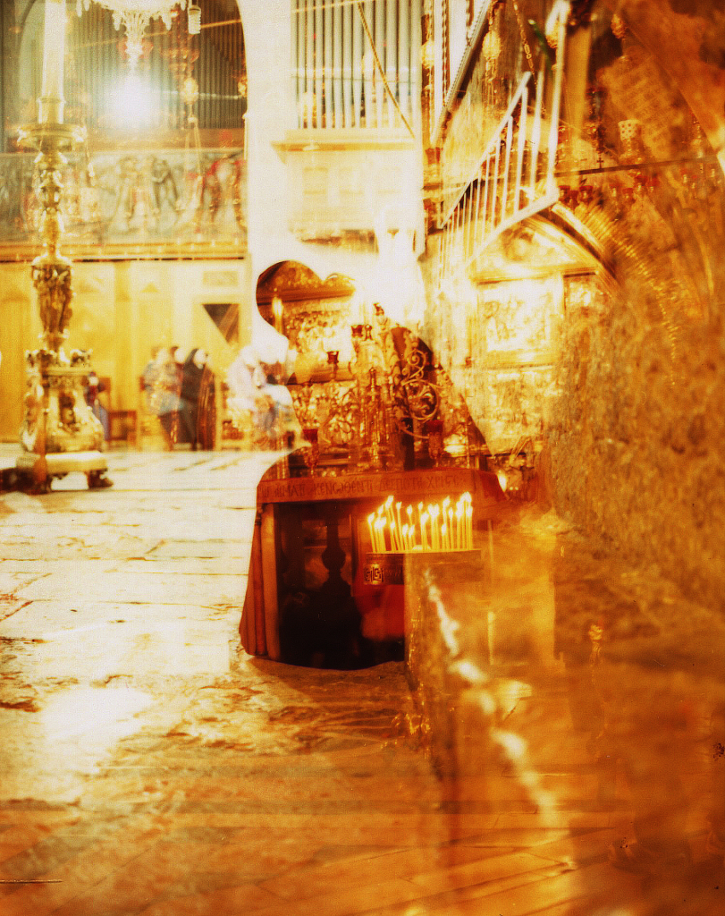 Andres Serrano, Holy Vision. Night Service at The Church of the Holy Sepulchre (Jerusalem), 2014