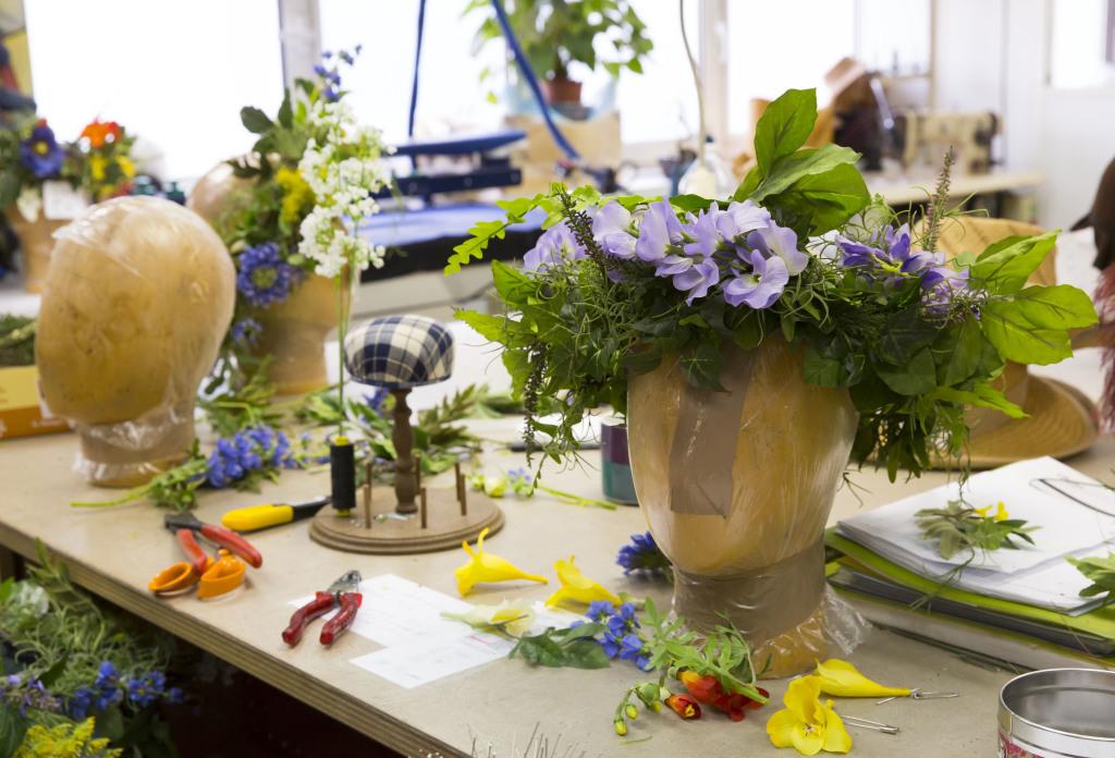 Couronne de fleurs artificielles, atelier modiste, Opéra national de Paris, Opéra Bastille