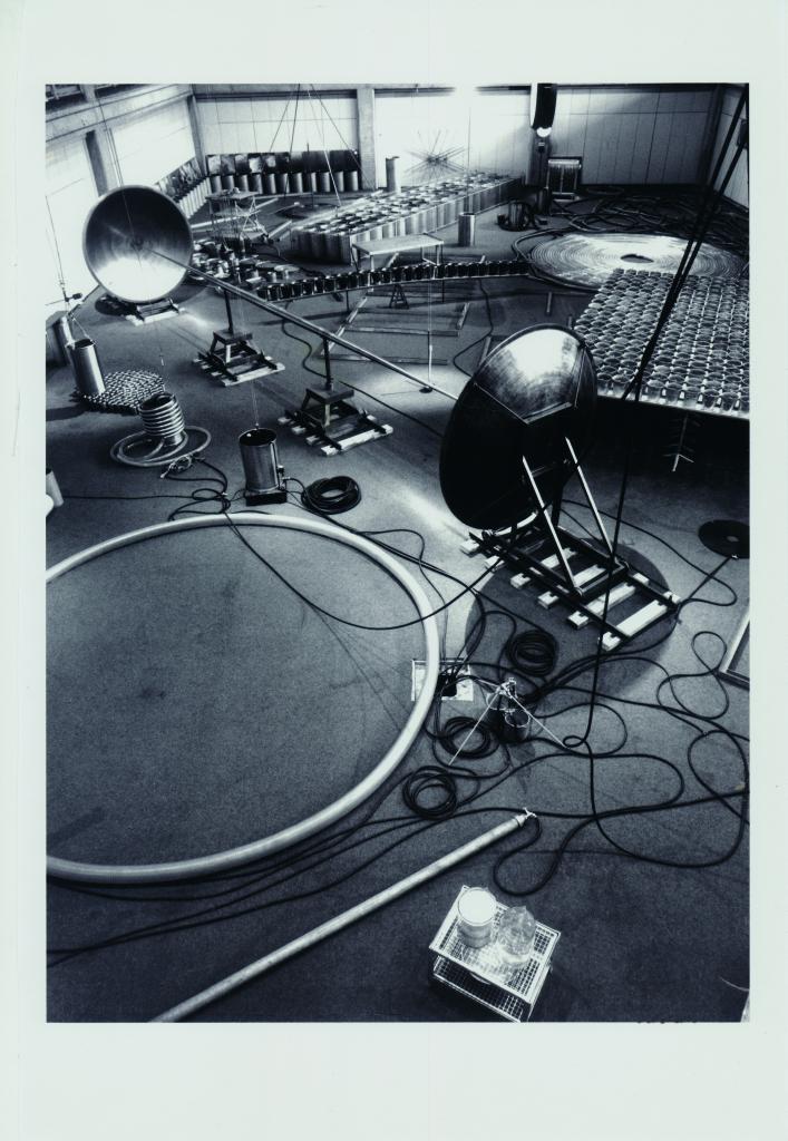 L'instrumentarium installé dans la fosse du Centre George Pompidou en 1985, Dusseldorf mon amour, CCCOD