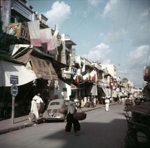 La rue de la Soie, 1952, Guerre d'Indochine, Studio Willy Rizzo