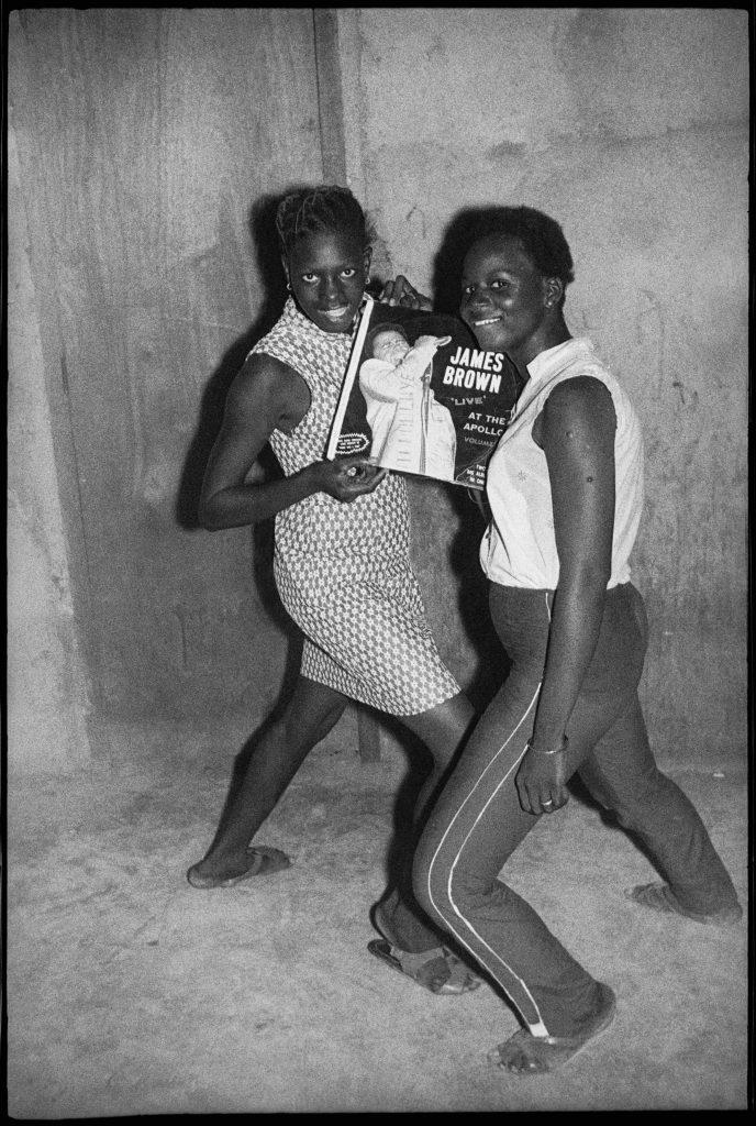 Malick Sibidé, Fans de James Brown, 1965 - Malick Sibidé, Mali Twist à la Fondation Cartier pour l'art contemporain