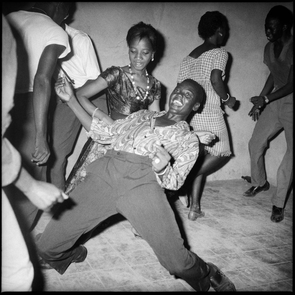 Malick Sibidé, Regardez-moi, 1962 - Malick Sibidé, Mali Twist à la Fondation Cartier pour l'art contemporain