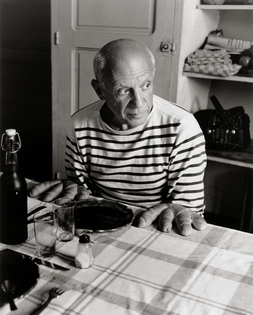 Robert Doisneau, Les pains de Picasso, Vallauris, 1952