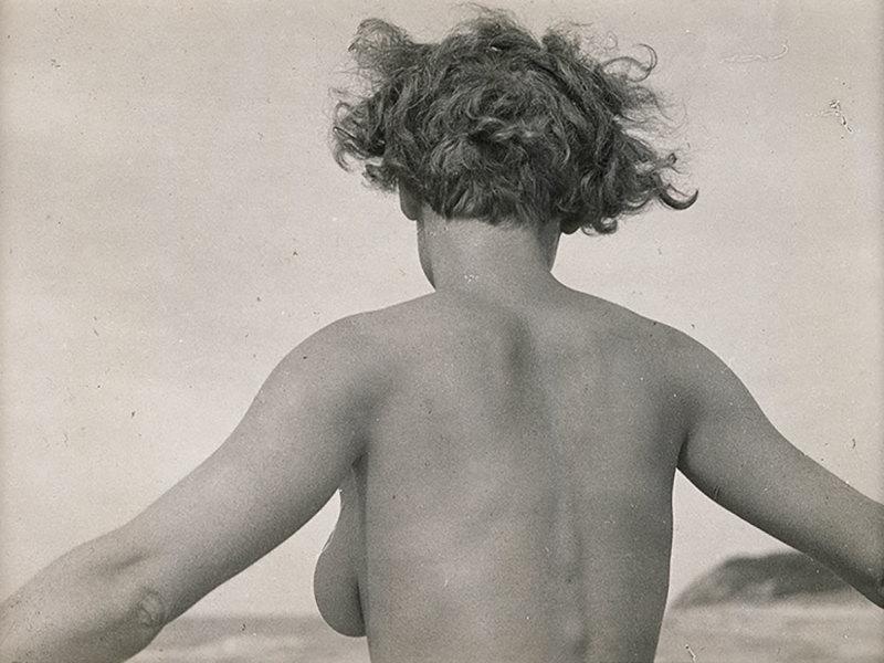 Nu (Vera Broïdo, vue de dos), Raoul Hausmann, Jeu de Paume