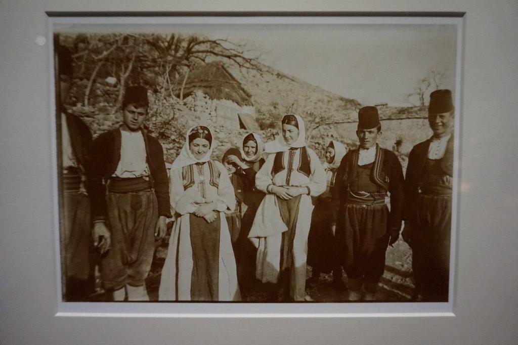 Vue de l'exposition Alfonse Mucha - Musée du Luxembourg