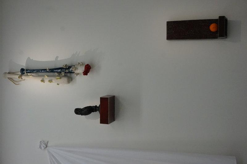 Vue de l'exposition Johan Creten à la galerie Perrotin (12)