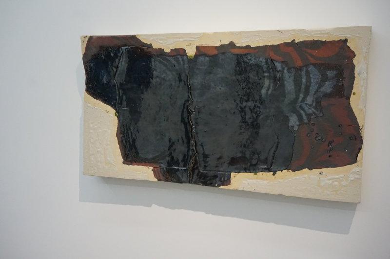 Vue de l'exposition Johan Creten à la galerie Perrotin (17)