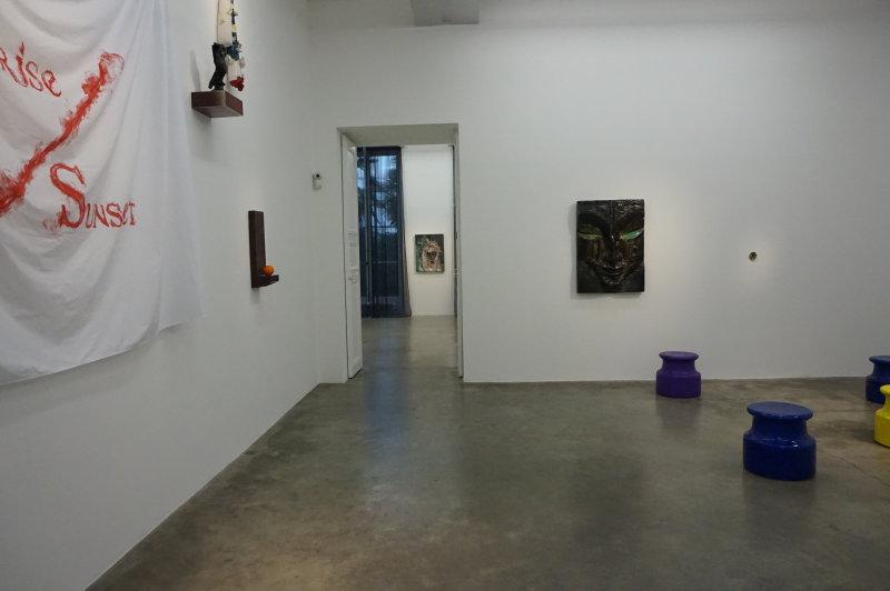 Vue de l'exposition Johan Creten à la galerie Perrotin (2)