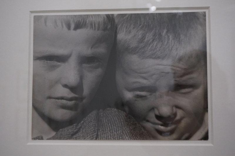 Vue de l'exposition Raoul Hausmann - Jeu de Paume (39)